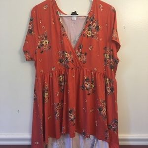 Torrid VNeck Short Sleeve Floral Tunic Top